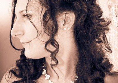 Attimi senza tempo per la sposa negli istanti prima del matrimonio