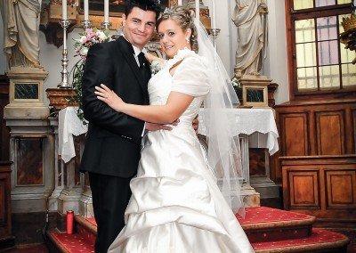 Foto di rito dopo la celebrazione delle nozze