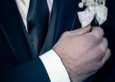 Dettagli dello sposo, nel giorno del matrimonio
