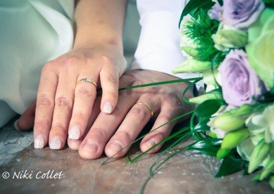 Due mani, due fedi nuziali e un solo grande cuore!