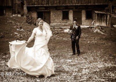 Istanti di gioia fra innamorati per sempre impressi in una foto...