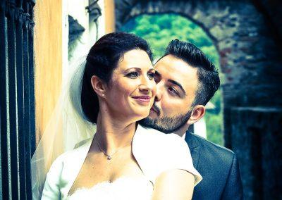 Tenerezze fra sposi nel giorno più bello! Fotografia di matrimonio