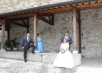 Fotografie di matrimonio con i testimoni di nozze
