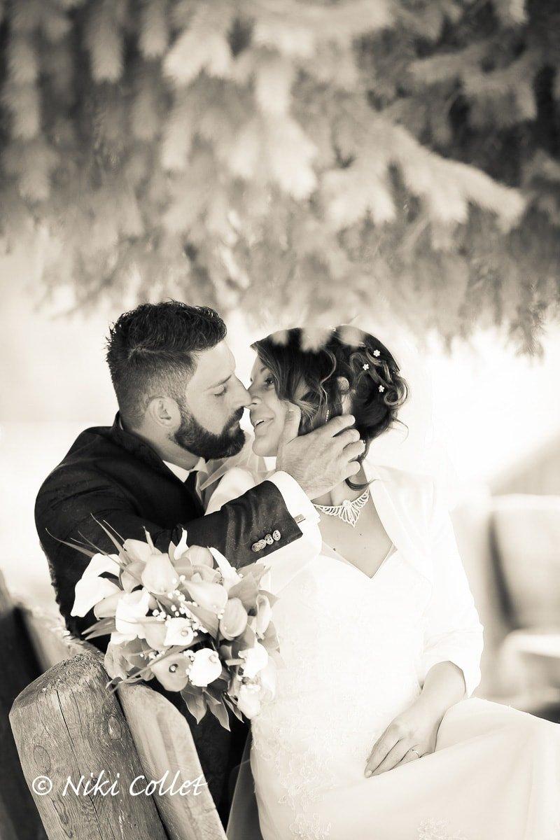 Matrimonio In Bianco E Nero : Un immagine in bianco e nero e due sposi protagonisti di un viaggio