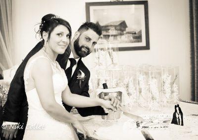 taglio della torta servizi fotografici di matrimonio