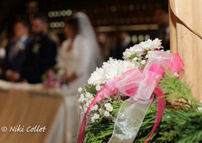 bouquet e sposi un'immagine del servizio fotografico di nozze